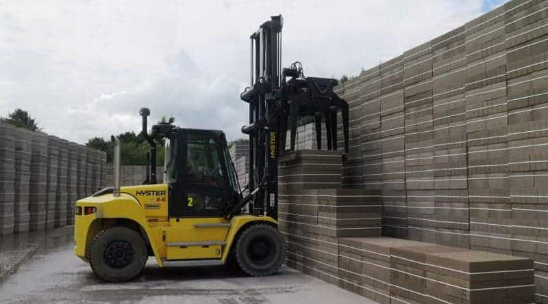 Keeping it clean with the updated Hyster H8-16XM Series