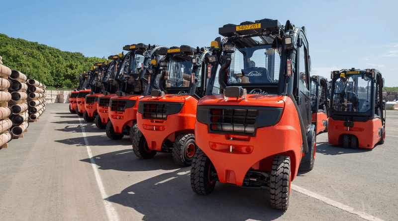 Linde forklifts improve safety technology at Wavin factory