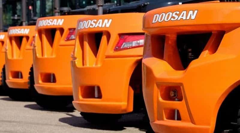 Doosan Forklifts on show at LAMMA19
