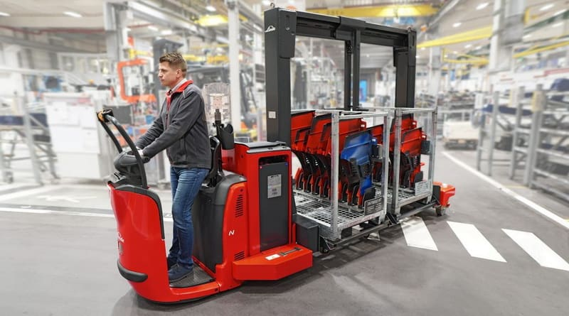 Linde Supply Truck Combines Forklift and Train Benefits