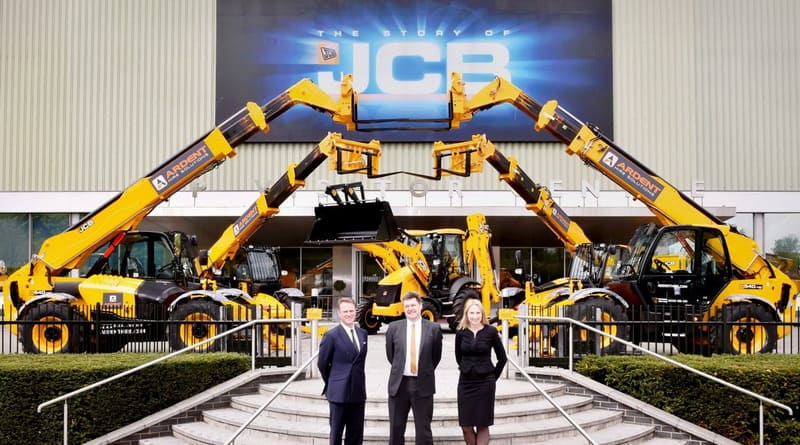 JCB has won the biggest single order for its Loadall telescopic handlers ever placed by a UK customer.