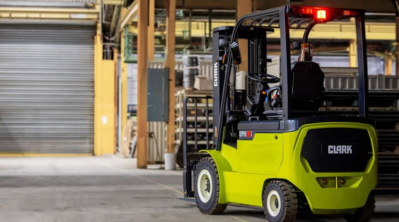 New Clark Electric Four-Wheelers Take on IC Rivals