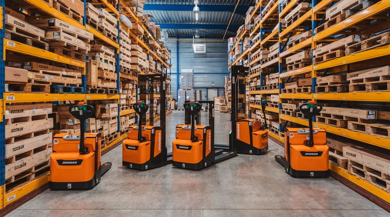 Doosan upgrades warehouse truck range