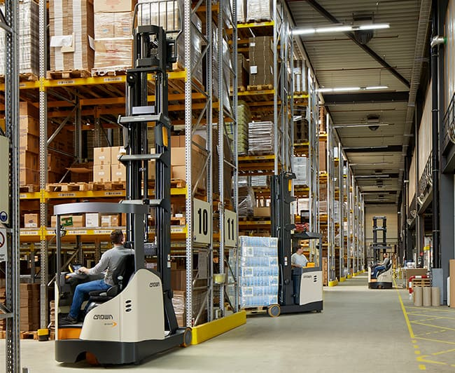 Crown's latest ESR 1000 Series reach trucks are smart, powerful and reliable