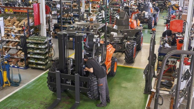 AUSA optimizes its production processes to keep up with the times